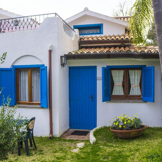 https://www.baiadorosabaudia.it/wp-content/uploads/2017/02/Hotel-Baia-DOro-Sabaudia-Camera-Classic-2-540x540.jpg