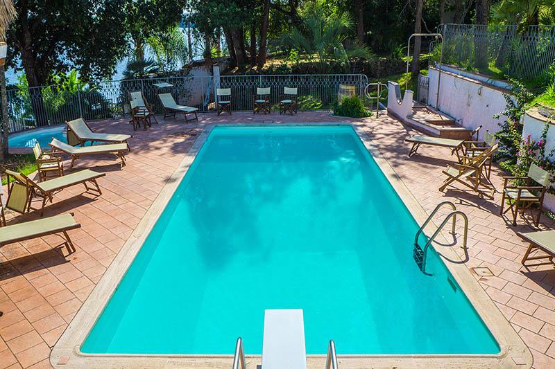 https://www.baiadorosabaudia.it/wp-content/uploads/2017/02/piscina.jpg